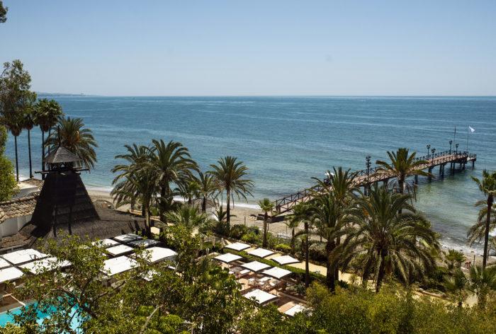 Beach Club - El Lodge