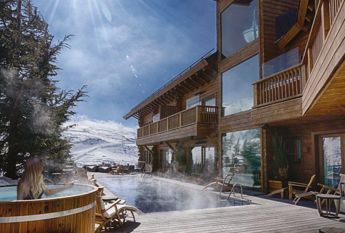 Outdoor Pool Area - El Lodge